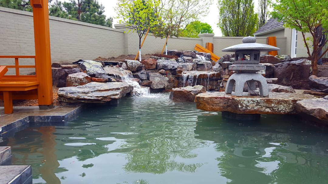 got-the-gunite-koipond-up-and-running-today-looks-and-sounds-amazing-koi-rocks-ponds-wichita-kansas-welovewichita-ilovewichita-comeseeus-hongslandscape2016_25910117713_o